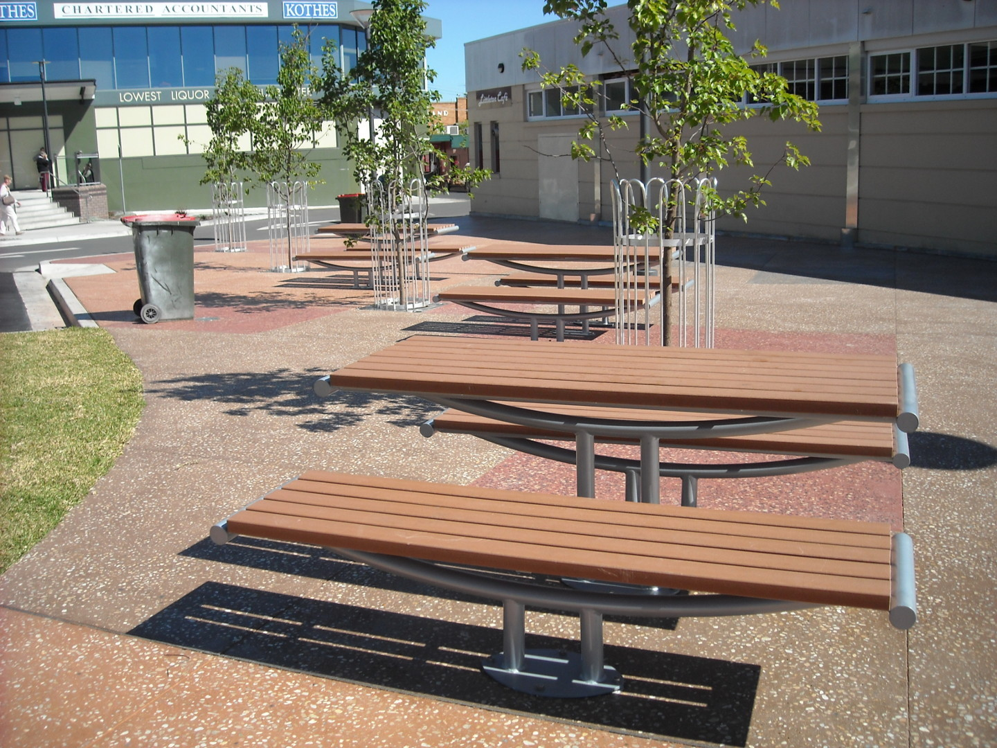 BEGA VALLEY SHIRE COUNCIL - Littleton Gardens, Street & Park Furniture